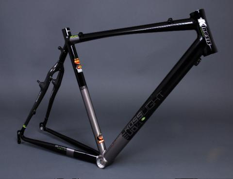 KINESIS UK CROSSLIGHT EVO4 (2010)